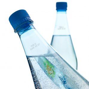 Impresión sobre botellas mojadas